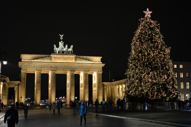 Brandenburg Gate, with a bit of Christmas.