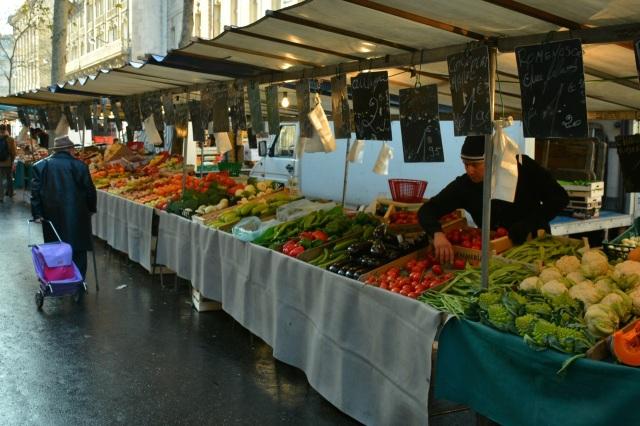 Rue de Cherche Midi markets